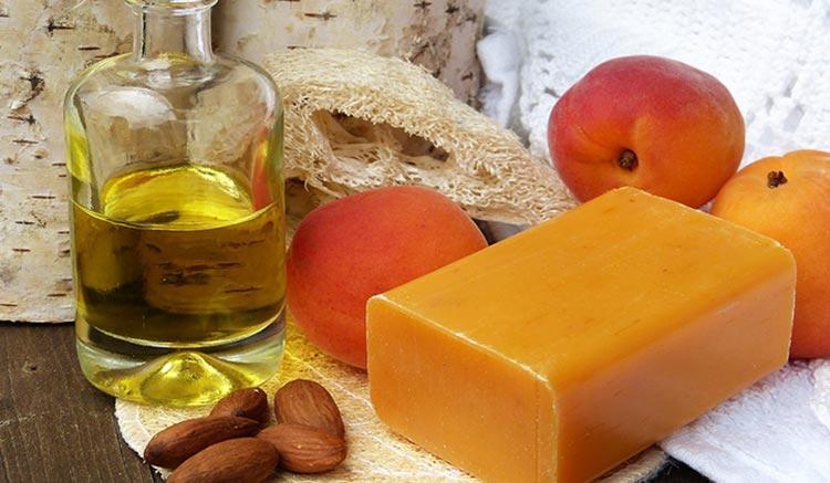хозяйственное мыло и абрикос