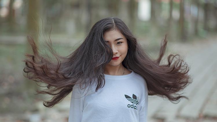 длинные густые волосы